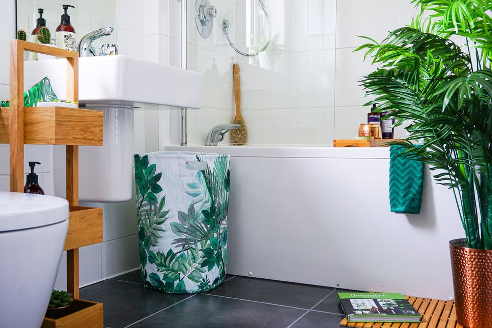 Greenery in Bathroom