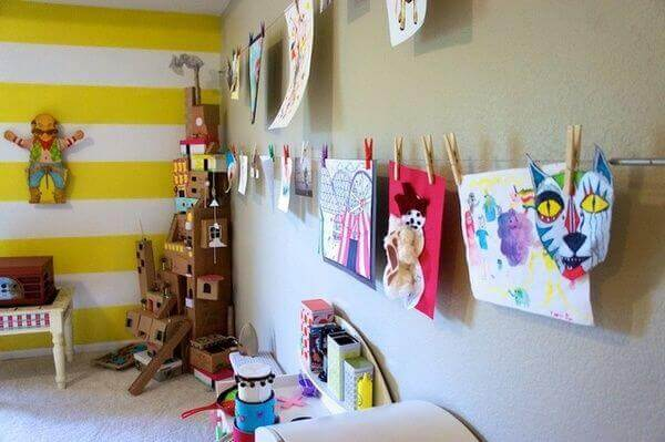 Hang Paintings – An Unique Way to Display Your Kids Art