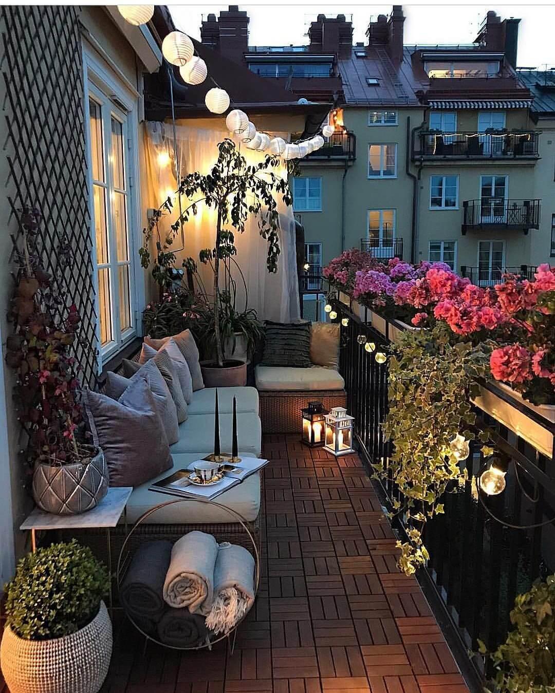 Pendant Lighting Ideas in Balcony